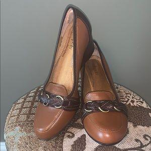 8M SoftSpots Leather Dress Shoes